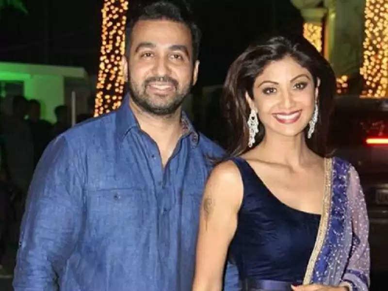 Shilpa Shetty: कोरोना के चपेट में आए पति राज कुंद्रा के साथ शिल्पा ने शेयर की मजेदार तस्वीर, चर्चा में क्वारंटीन रोमांस