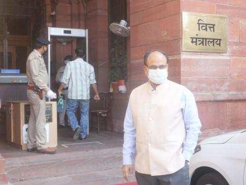 आयकर विभाग ने ऑटोमेटेड रिफंड सिस्टम के जरिए 1.27 करोड़ रुपये जारी किए : Finance Secretary