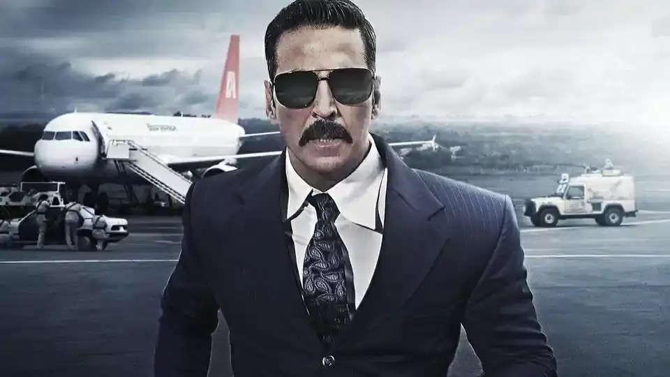 Akshay KUmar: रिया चक्रवर्ती को कनाडा भेजने की कोशिश में थे अक्षय कुमार, अभिनेता ने किया 500 करोड़ा का मानहानि का केस