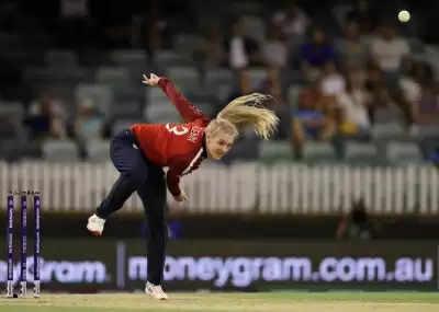 साराह और डेविस को England Test squad से किया गया रिलीज