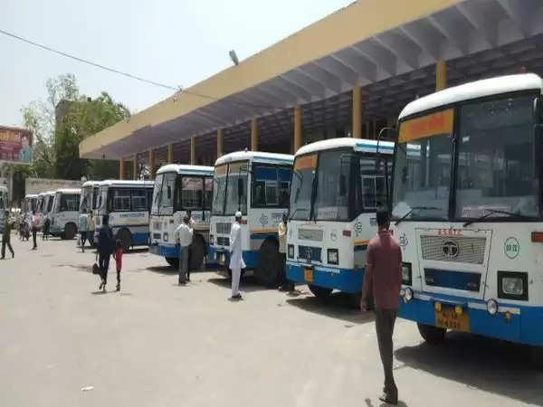 झुंझुनूं : 55 रूट शेड्यूल पर रोडवेज अनलॉक:बसों में बैठने से पहले स्क्रीनिंग, बिना मास्क के सफर नहीं, जयपुर-दिल्ली रूट पर बढ़ाई बसों की संख्या
