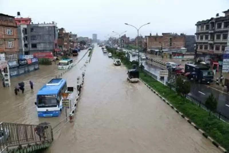 Nepal में बाढ़, भूस्खलन में दर्जनों के लापता होने की आशंका