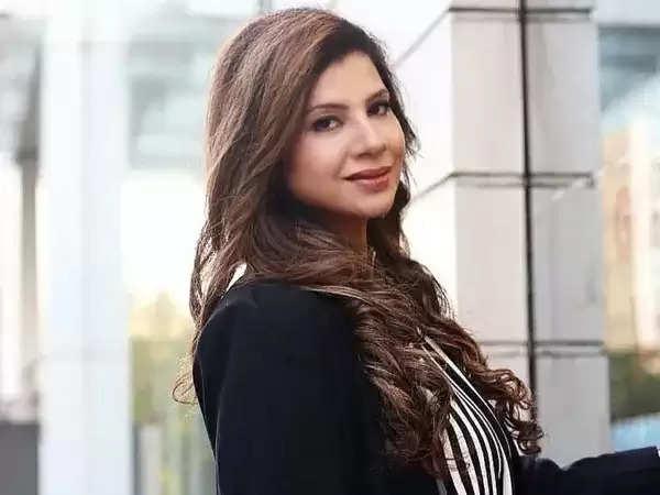 Sambhavna Seth: पिता के निधन के बाद संभावना सेठ ने अस्पताल को भेजा कानूनी नोटिस, लापरवाही का लगाया आरोप