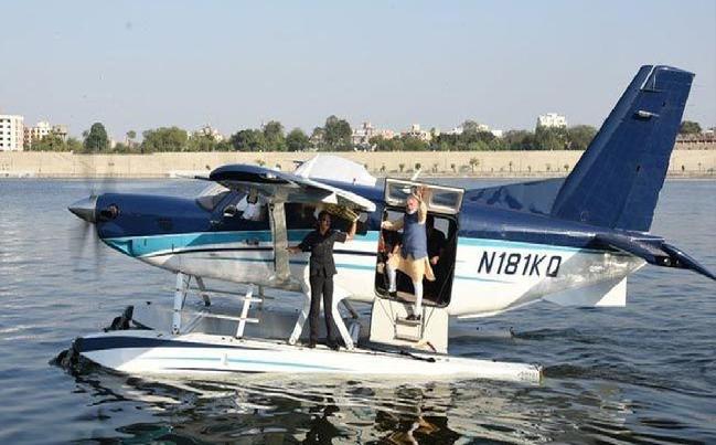 First Seaplane Service in India: देश  के पहले सी-प्लेन को हरी झंडी, पीएम मोदी ने किया पहला सफर….