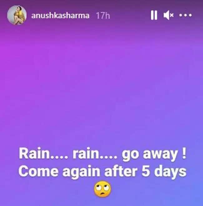 Anushka Sharma: बारिश ने किरकिरा किया अनुष्का शर्मा के मैच देखने का मजा, बोली रेन रेन गो अवे