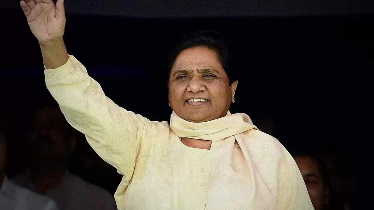 कोरोना की लहर से बचाने के लिए हर राज्य करे पूरी तैयारी : Mayawati