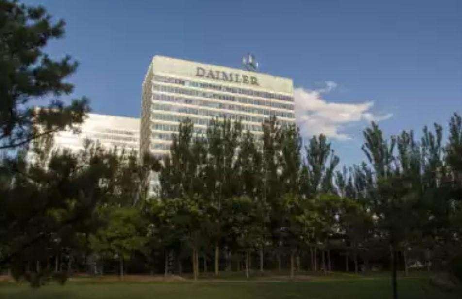 Daimler AG पर उत्सर्जन में धोखे के बाद 1.5 बिलियन का करेगा भुगतान