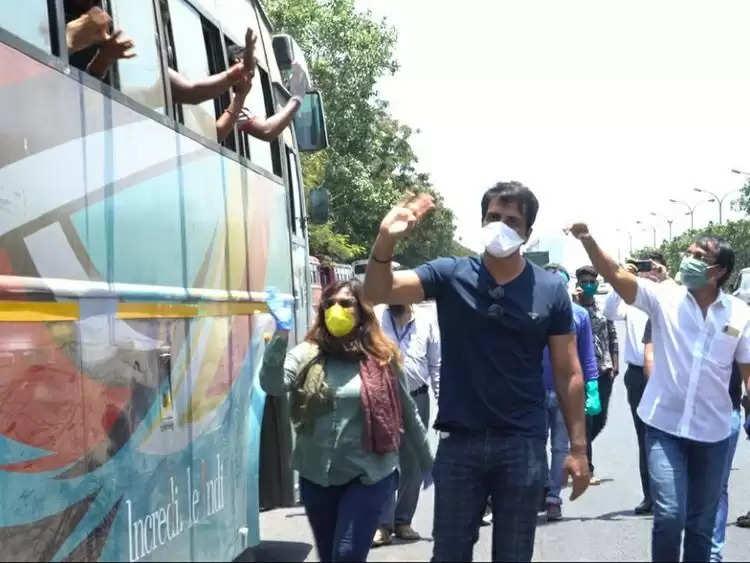 Sonu Sood: मुसीबत में पड़े सोनू सूद, मुंबई हाई कोर्ट ने दिए जांच के आदेश, जाने पूरा मामला
