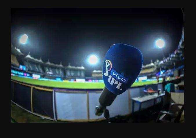 कोरोना के चलते IPL 2021 के सस्पेंड होने के बाद फैंस ने सोशल मीडिया पर ऐसे किया रिएक्ट