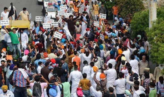 Karnataka में किसानों के भारत बंद की मिलीजुली प्रतिक्रिया