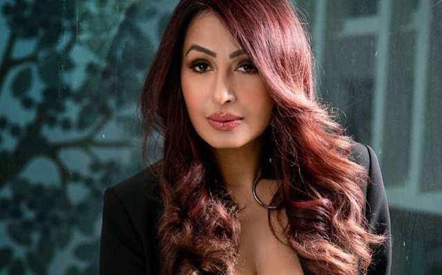 Kashmira Shah: कृष्णा अभिषेक की पत्नी का हॉट अंदाज सोशल मीडिया पर वायरल