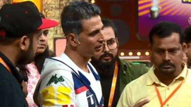 क्यों सोशल मीडिया पर लोग कर रहे अक्षय कुमार की तारीफ
