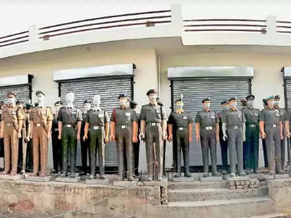 झुंझुनूं : जवानों को शहादत:शहीदों की मास्क बटालियन; क्योंकि कोरोना के खिलाफ मास्क लगाना भी सबसे बड़ी देशसेवा