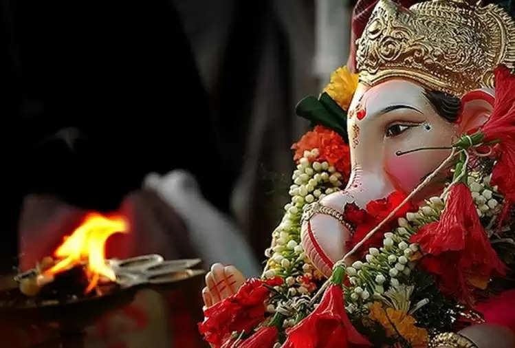 क्या आप भी चाहते हैं जीवन के कष्टों से मुक्ति, तो आज शाम की पूजा में पढ़ें श्री गणेश की ये स्तुति