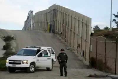 White House ने सीमा की दीवार के लिए पेंटागन के सैन्य धन को वापस लौटाया