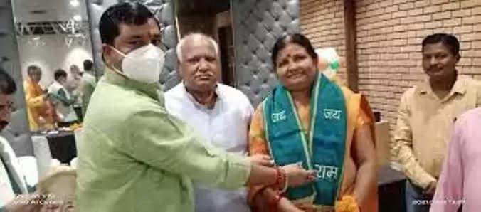 फैज़ाबाद :अयोध्या-पार्षदों ने अशोका द्विवेदी को चुना नेता सदन