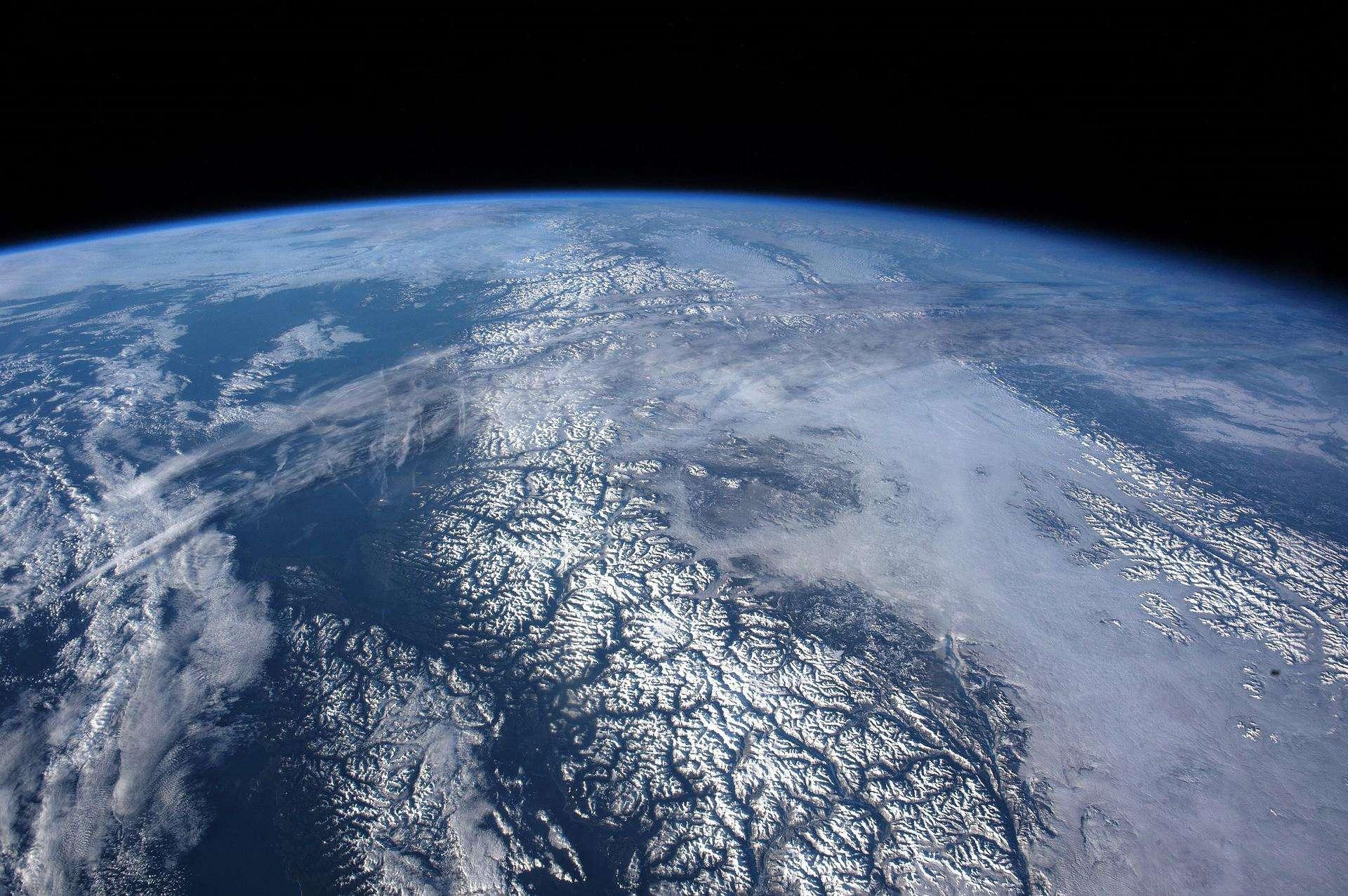 10 अक्टूबर को   अंतरिक्ष में  बाहरी अंतरिक्ष संधि का जन्म हुआ