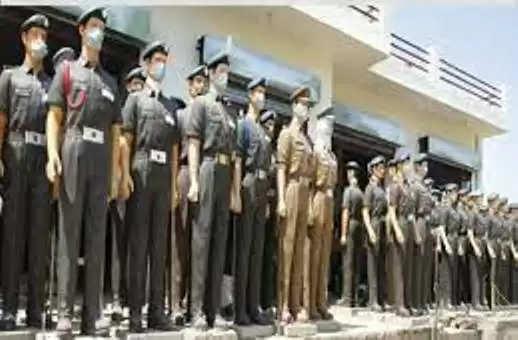 झुंझुनू : देश को सबसे ज्यादा फौजी देने वाले झुंझुनूं में मूर्तिकार बना रहे हैं शहीदों की मूर्तियां, ढाई साल में 400 से ज्यादा प्रतिमाएं तैयार हों चुकीं; हर गांव में लगेगी निशुल्क