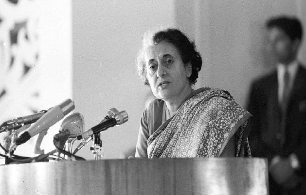 Indira Gandhi Death Anniversary: इंदिरा गांधी की हत्या और उसके बाद भयावहता को बयां करते वो 12 घंटे….