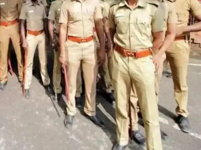 Indore त्योहारों में पुलिस की तैयारियों का डीआईजी ने किया निरीक्षण