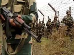 Sambaबीएसएफ ने जम्मू में भारत-पाक सीमा के पास हथियार बरामद किए