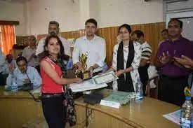 Rishikesh बोर्ड परीक्षा के मेधावियों का सम्मान