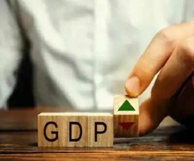 मंदी से उबरने के लिए पाकिस्तान के सामने 7-8 फीसदी विकास दर पाने की चुनौती