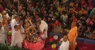 Rishikesh राधा अष्टमी पर महाभिषेक के साथ आरती
