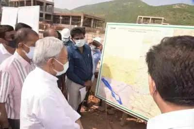 बिहार में गंगा उद्वह योजना की प्रगति देखने गया पहुंचे नीतीश, दिए कई निर्देश