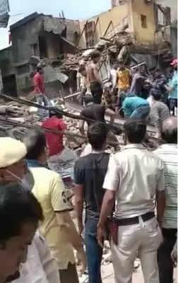 Delhi में गिरी इमारत, किसी के हताहत होने की खबर नहीं