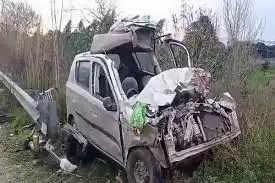 Sambaसांबा में दर्दनाक सड़क हादसा, कार और ट्रक की भिड़ंत में पांच की मौत