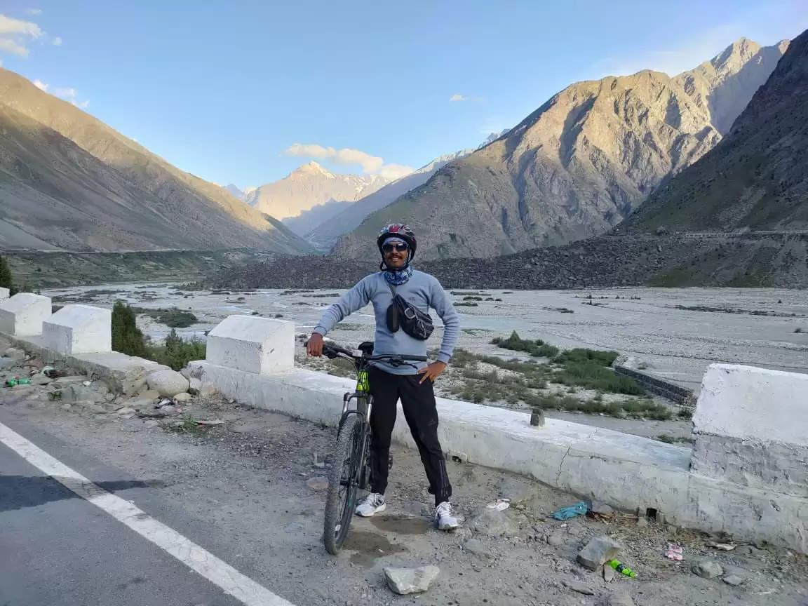 Hisar 17853 फीट की ऊंचाई पर चलाई साइकिल:8 दिन में रोहतांग से होते हुए पूरा किया 400km का सफर