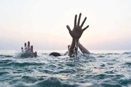 Manali सेल्फी लेने के चक्कर में ब्यास नदी में बहे दिल्ली के 2 पर्यटक, मां- बेटे की मौत