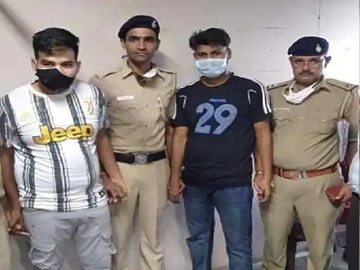 Chandigarh में देसी पिस्तौल लेकर घूम रहे 2 बदमाश गिरफ्तार,पुलिस ने पेट्रोलिंग के दौरान किए काबू