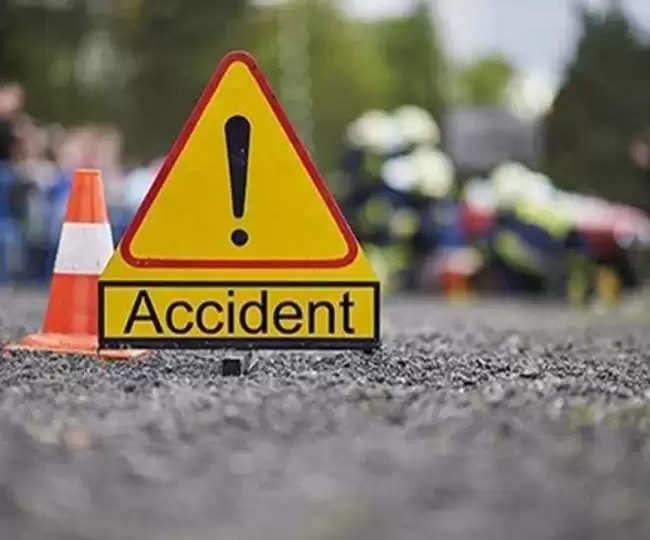 ALIGARH ईको व ट्रक में टक्कर, दो की मौत,चार लोग घायल