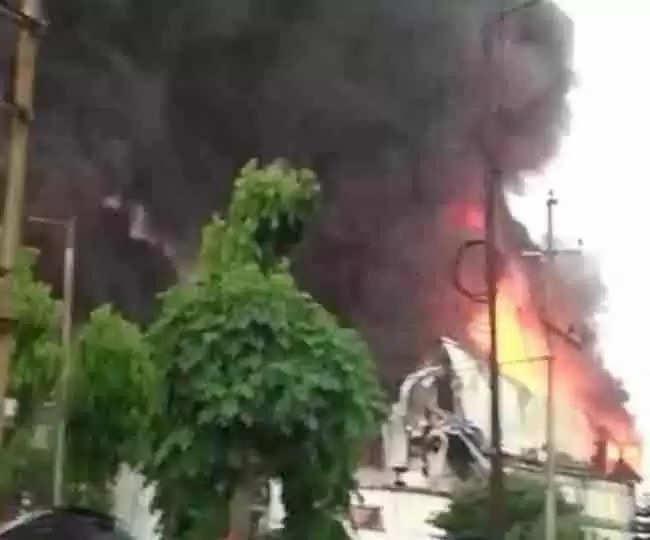 Haridwar सिडकुल स्थित रैपिड फैक्टरी में शार्ट सर्किट से लगी आग