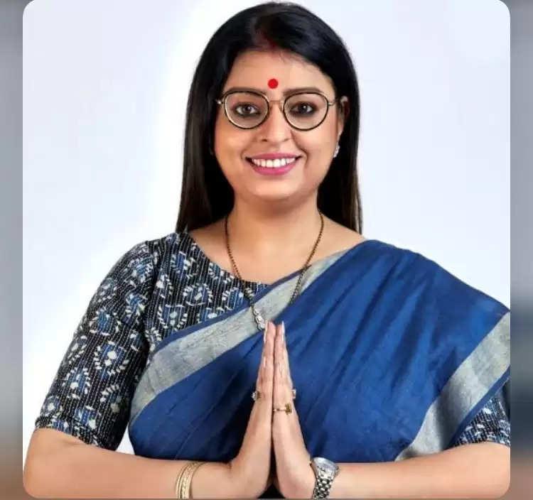 ममता बनर्जी के ख़िलाफ़ भवानीपुर सीट से भाजपा उम्मीदवार प्रियंका टिबरेवाल को निर्वाचन आयोग का नोटिस