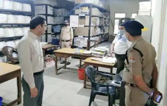 Haridwar एसएसपी के निरीक्षण में गैरहाजिर मिले 15 कर्मचारी, नोटिस