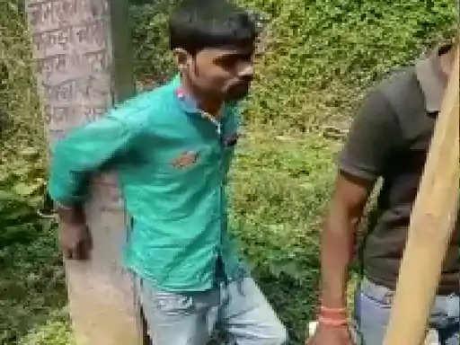 Madhubani में छात्रा को रास्ते से उठाकर सुनसान जगह ले गए, रेप का प्रयास करने लगा, ग्रामीणों ने पकड़ा तो जमकर धुनाई की