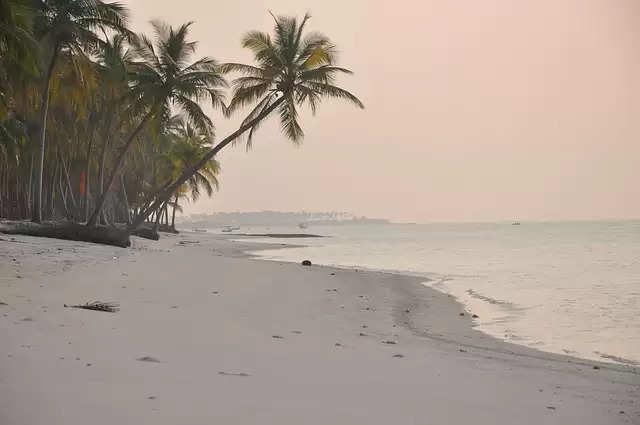 किसी भी जोडे के लिए बेहतरीन टूरिज्म स्पॉट है लक्षद्वीप, यहां न्यूड बीच से लेकर समुद्री तटों का ले सकते हैं मज़ा