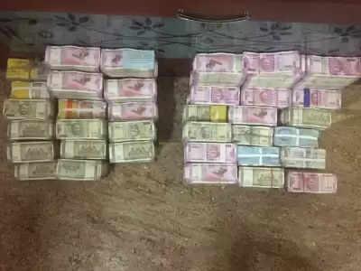 Bihar में इंजीनियर के घर का छापा, 15 लाख नकद, 33 लाख के आभूषण बरामद