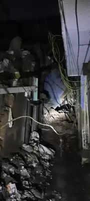 Delhi में गिरी 4 मंजिला इमारत, दमकल कर्मी मौके पर मौजूद, किसी के दबने की सूचना नहीं
