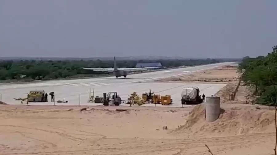 IAF का विमान Rajasthan, के जालोर के नवनिर्मित NH पर इमरजेंसी लैंडिंग का करेगा प्रैक्टिस, रक्षा मंत्री रहेंगे सवार