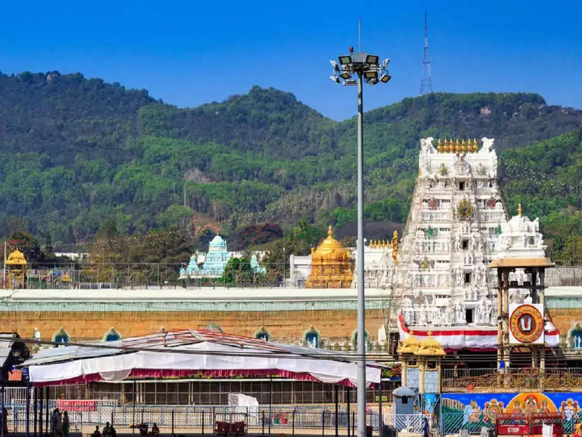 क्या आप जानते है इस मंदिर में अंदर जाने से से डरते है लोग, जानिए इसके पिछे की बडी वजह
