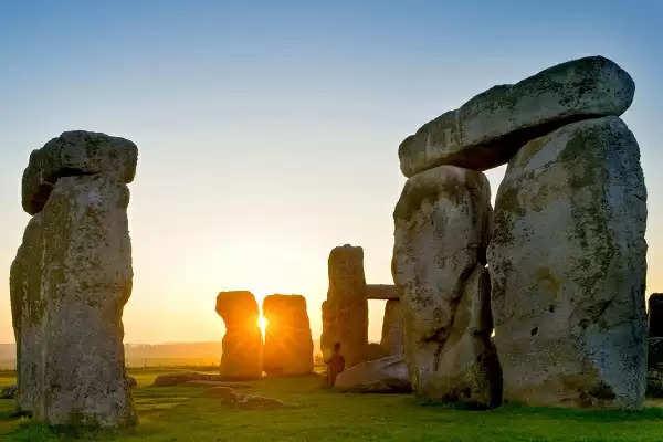 दुनिया की कुछ ऐसी जगहें जिनके राज आज तक हमारी समझ से हैं परे