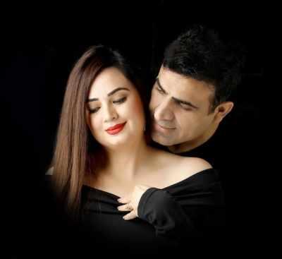 Shalini Kapoor ने पति रोहित के साथ मनाया 'रोमांस अवेयरनेस मं
